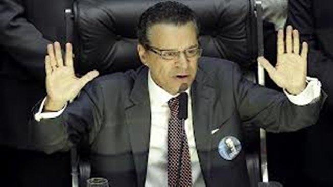 DEPUTADO HENRIQUE ALVES É ELEITO PRESIDENTE DA CÂMARA DOS DEPUTADOS.