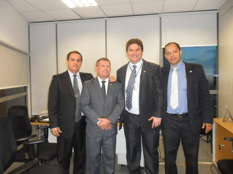 O Presidente, Dr. Alberto Tineu Jr, visitou a Câmara Distrital em Brasilia, sendo primeiro recebido pelo Dr. Valdinei da Policia Legislativa.