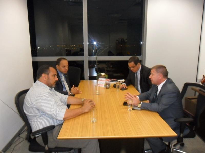 Em Brasília, Dr. Alberto é recebido pelo Deputado Distrital Dr. Michel na Câmara Legislativa do Distrito Federal.
