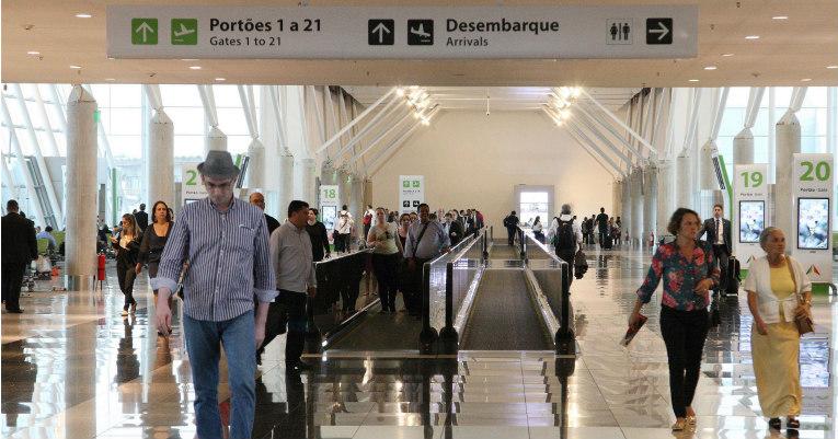 Empresas aéreas brasileiras transportaram mais de 98 milhões de passageiros pagos em 2017