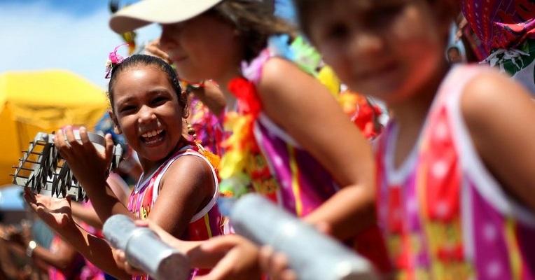 Fique atento a violações contra crianças e adolescentes no Carnaval